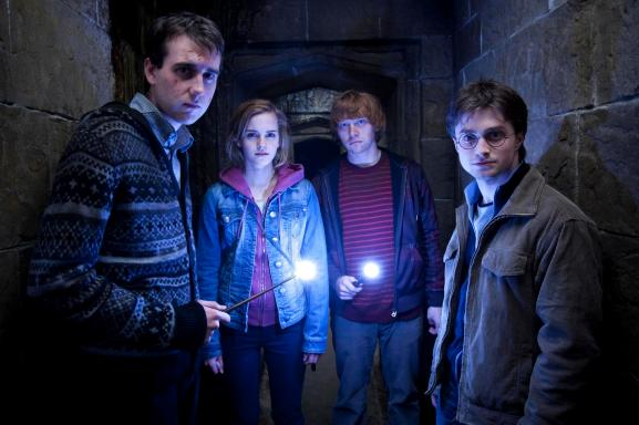 (L-r) MATTHEW LEWIS as Neville Longbottom, EMMA WATSON as Hermione Granger, RUPERT GRINT as Ron Weasley and DANIEL RADCLIFFE as Harry Potter in Warner Bros. PicturesÕ fantasy adventure ÒHARRY POTTER AND THE DEATHLY HALLOWS Ð PART 2,Ó a Warner Bros. Pictures release.